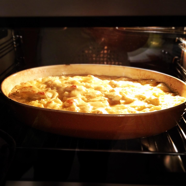 Krämig potatisgratäng med vitlök och muskot