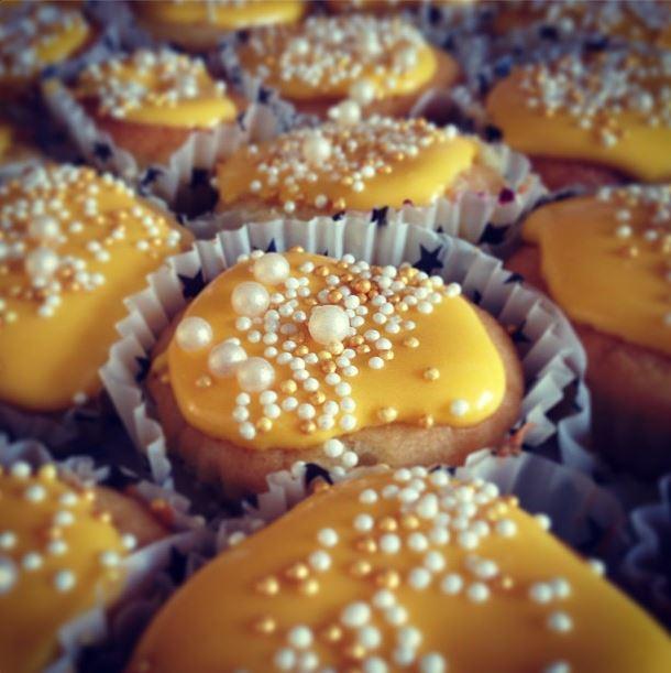 Bär-cupcakes med söt frosting