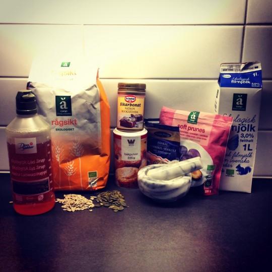 Ingredienser till filmjölksbröd
