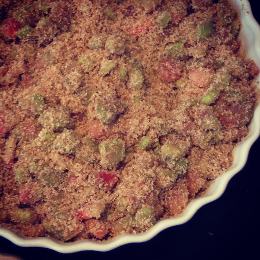 rabarberpaj med kardemumma
