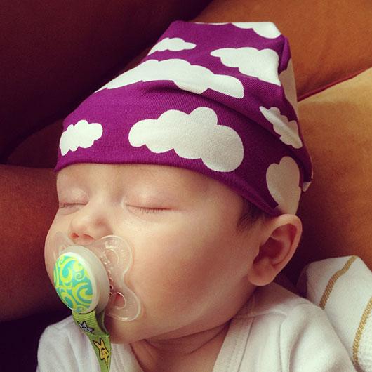 Sy en barnmössa, eller mössa för barn och baby